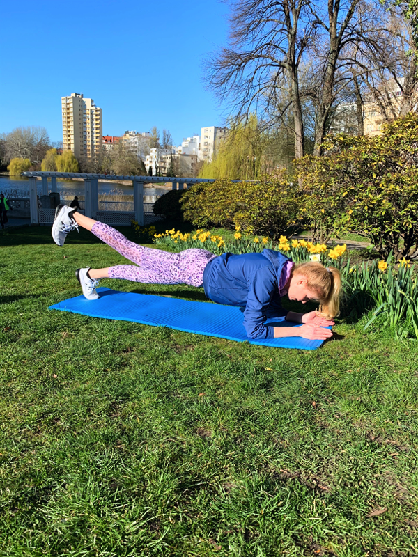 Home Workout Plank 2