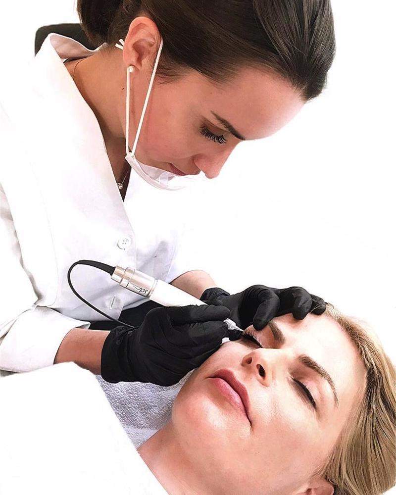 Permanent Make-Up Behandlung