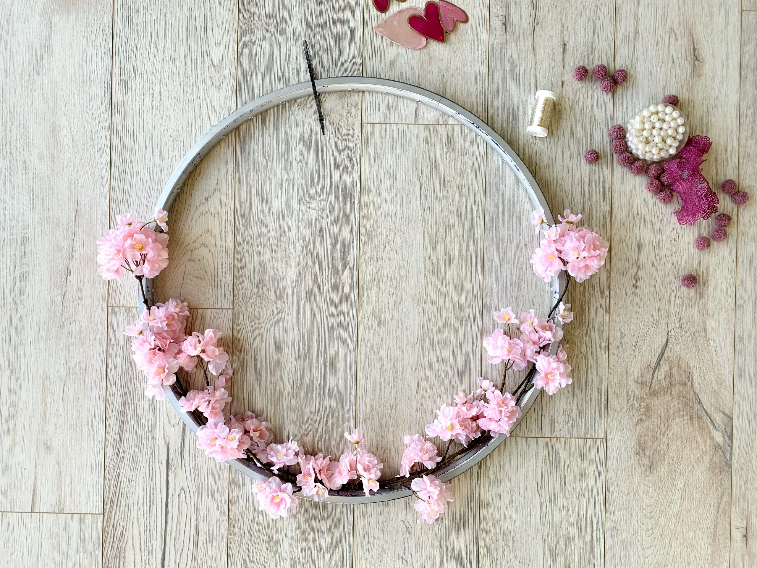Kinderzimmerdeko Blütenkranz Blüten sind dran