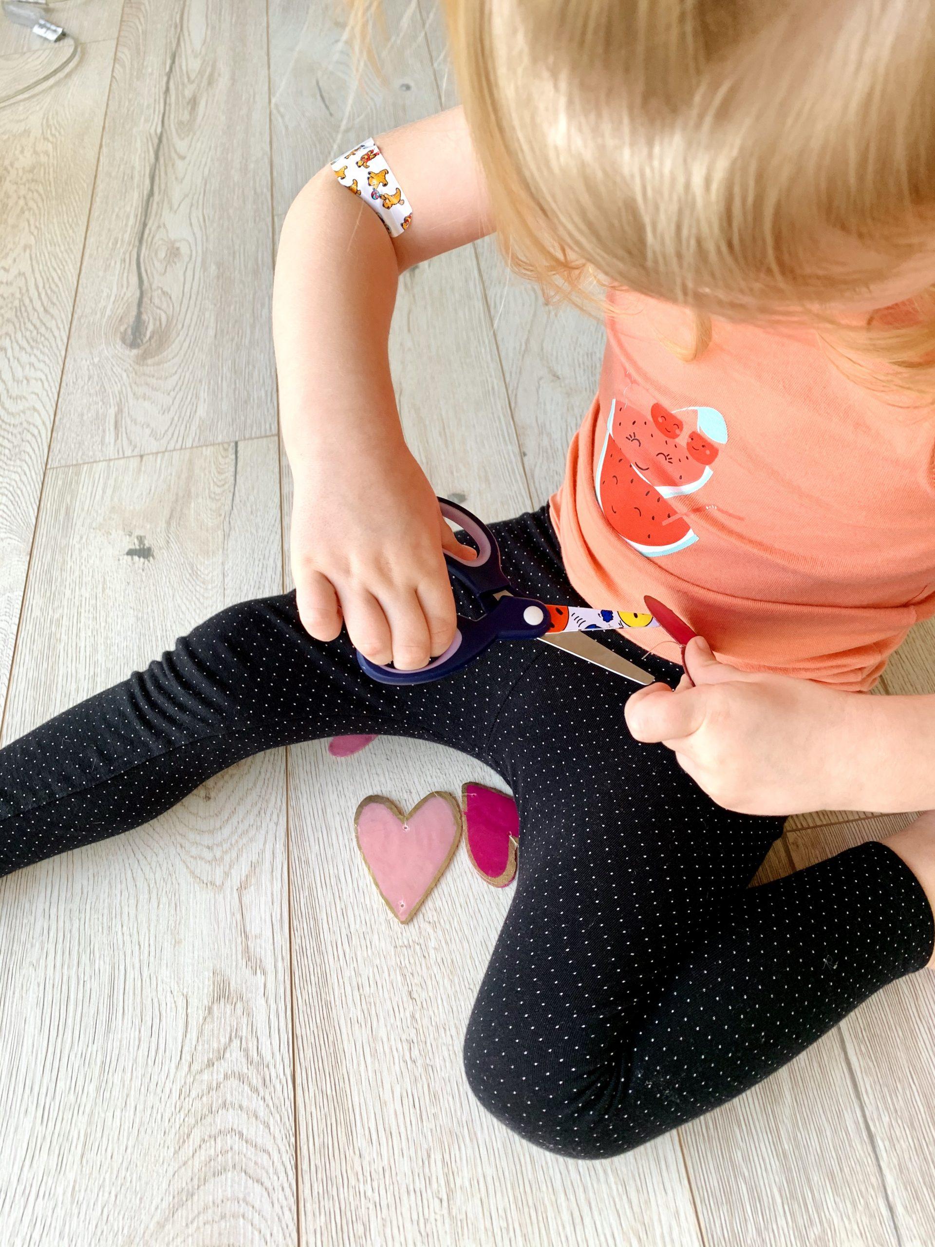 Kinderzimmerdeko Livi hilft