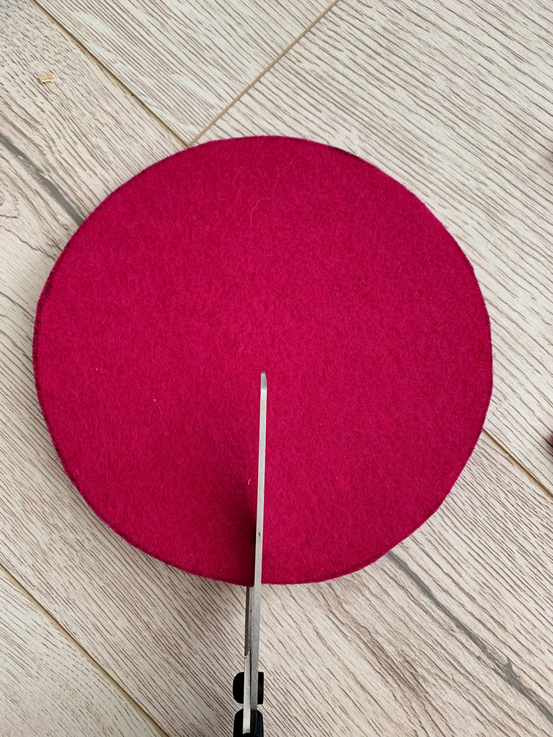 Ostereierdeko schneide deinen Kreis mittig